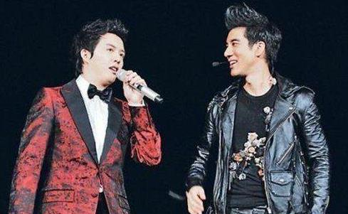 王力宏和李云迪是怎么回事,王力宏和李云迪宣布恋情
