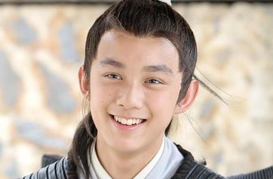 吴磊比较喜欢谁做女朋友,吴磊骑车迷路到别人家里