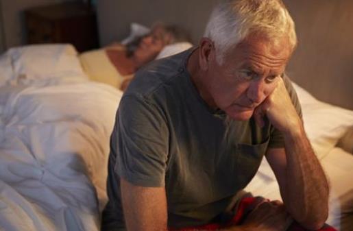 老年人失眠的4个因素,你中招了吗
